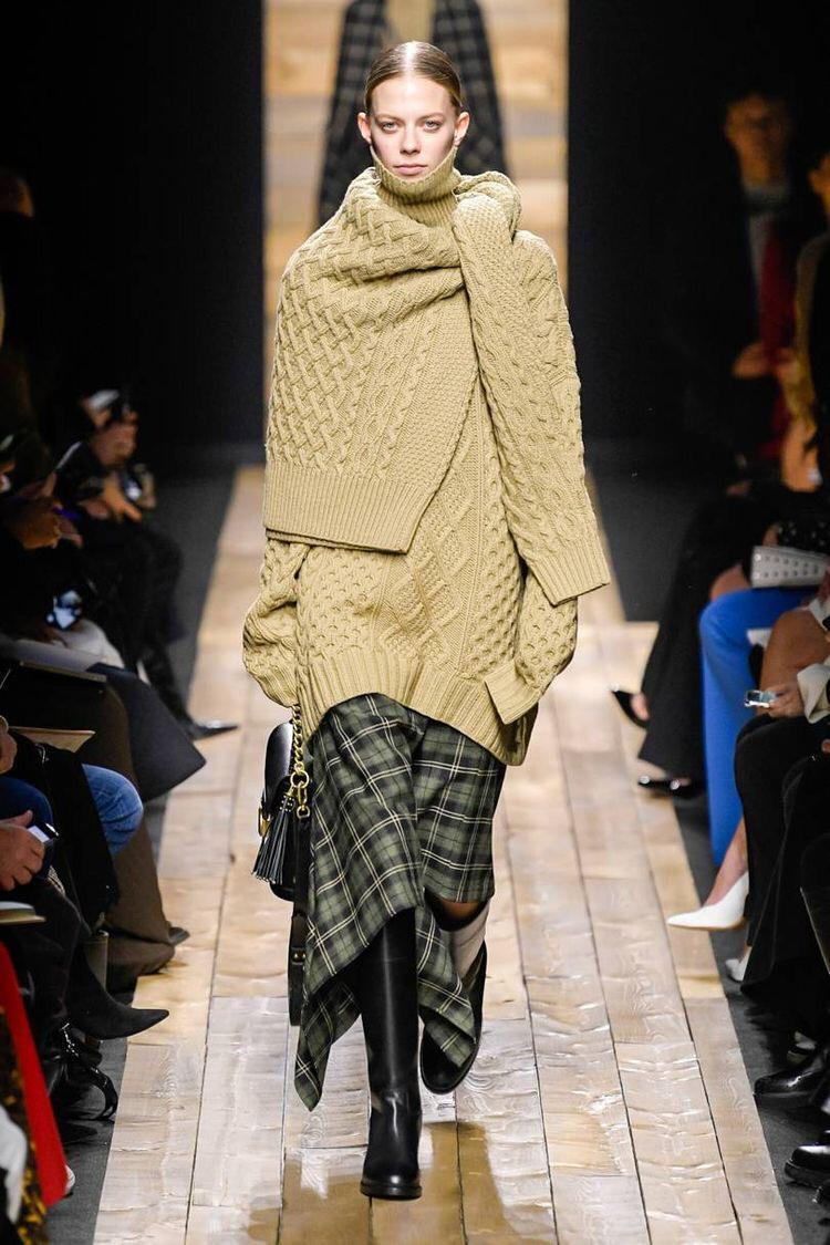 Knitted dresses / A bold trend for fall 2020 1