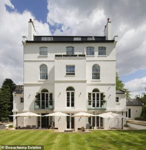 Rihanna puts her London home up for sale for milion 32 million 1