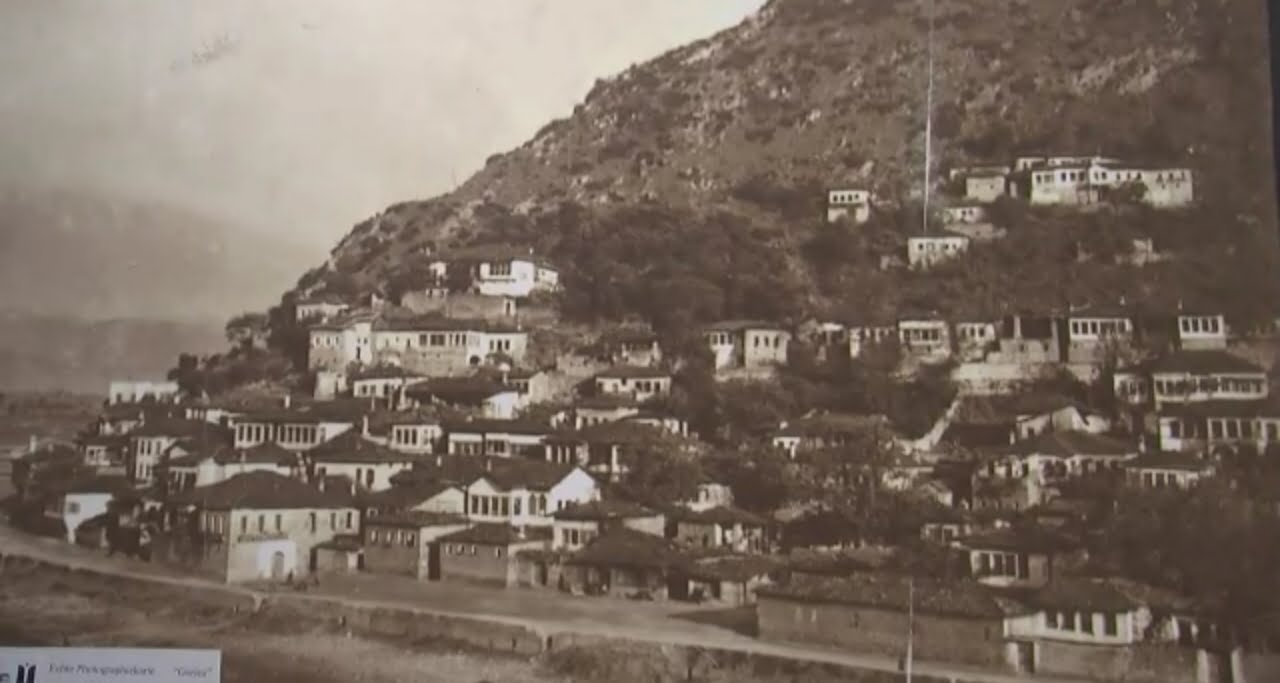 Berat / Exhibition with rare photos of the city 2