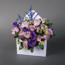 Ideal flower arrangements for family and office environments 11