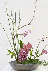 Ideal flower arrangements for family and office environments 7