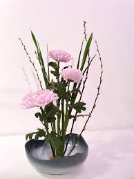 Ideal flower arrangements for family and office environments 8
