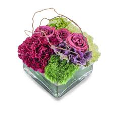 Ideal flower arrangements for family and office environments 4