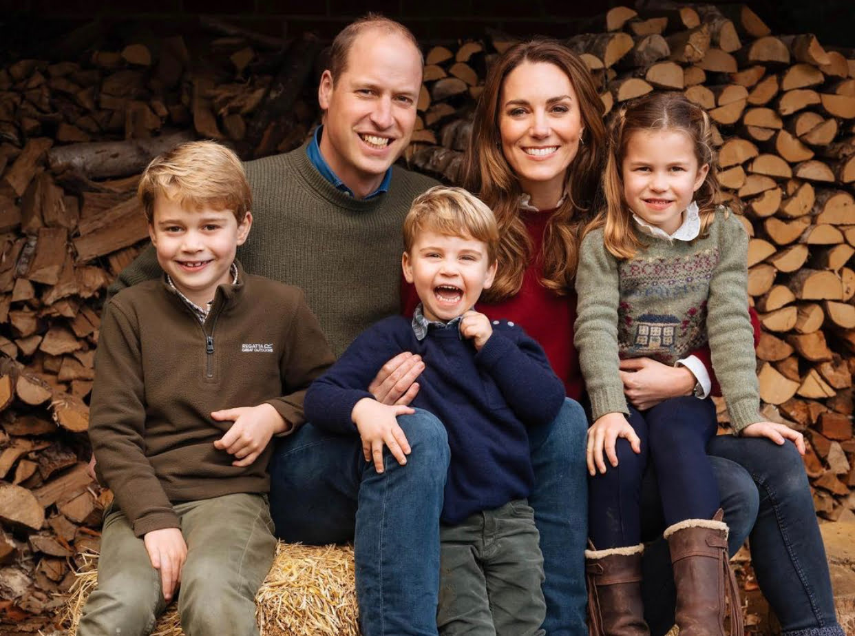 Prince William and Duchess Kate publish sweet family portrait for Christmas (PHOTO) 1