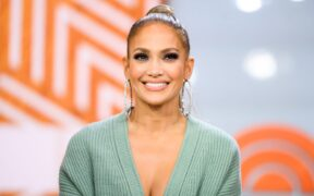 "Jennifer Lopez joins the cast of ""The Mother"" 1"